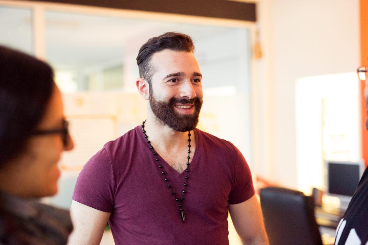 Oktay Tutucu half als Jugendlicher Toledo beim Aufbau des Jugendzentrums.