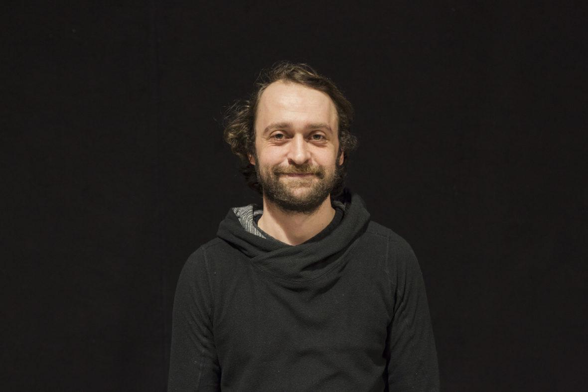 Daniel Reichelt zeigt ein entspanntes, fröhliches Gesicht.