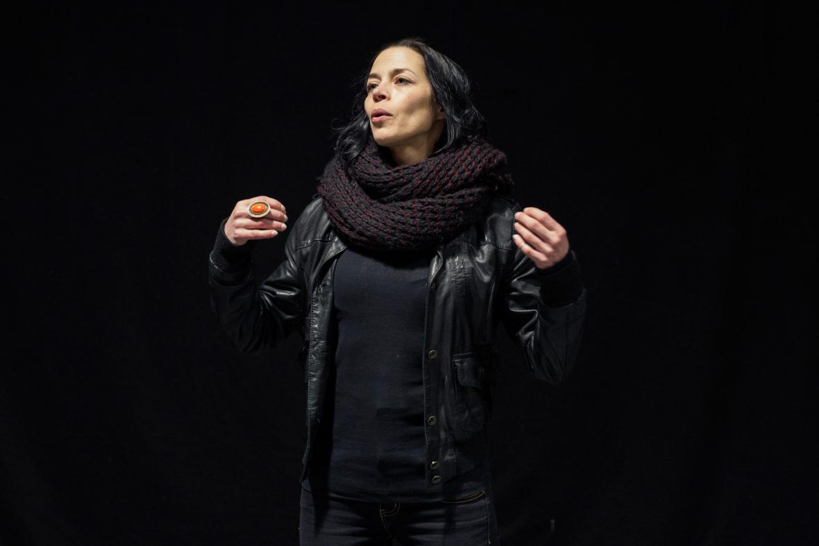 Stefanie Buld, Projektleiterin, bei einer Theaterübung