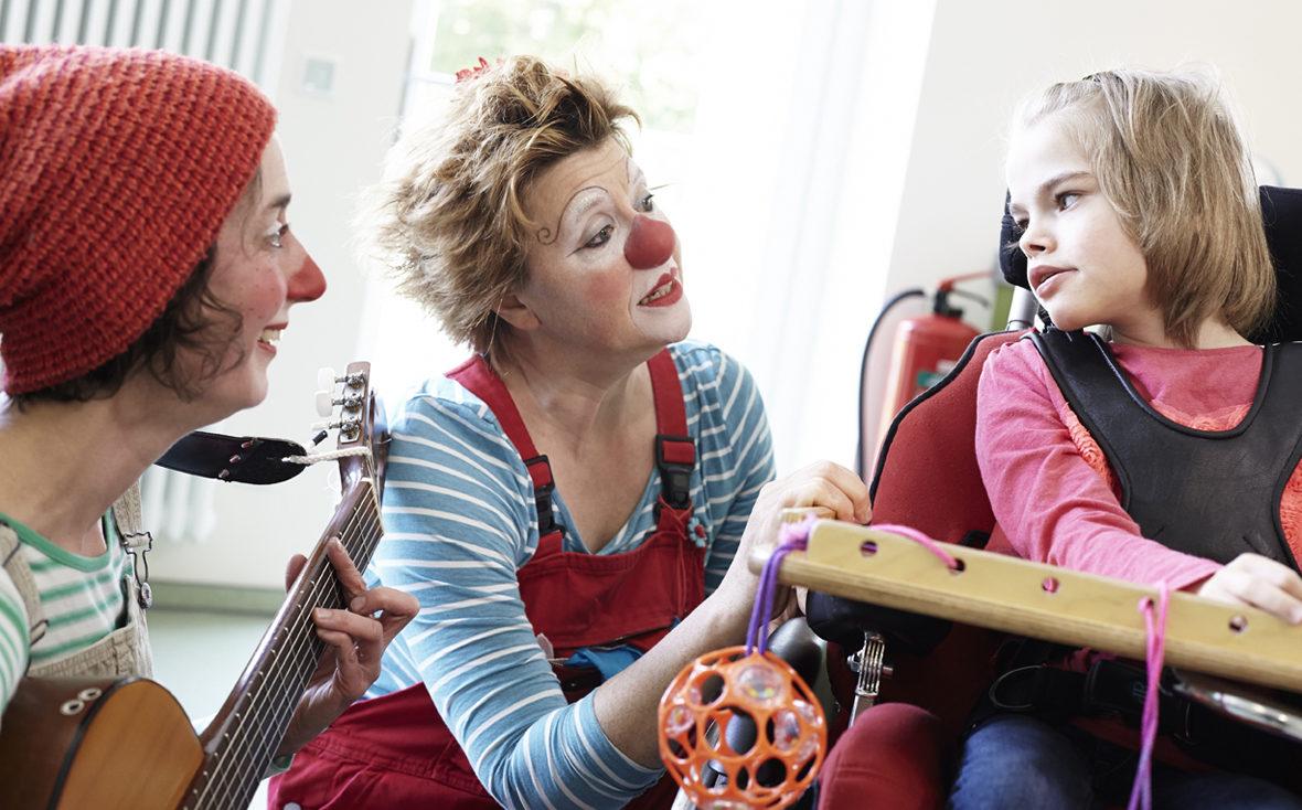 """Die Klinik-Clowns """"Socke"""" und """"Petronella"""" im Aegidius Haus"""