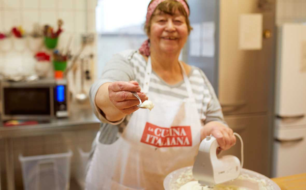 Zu Besuch bei Kuchentratsch: Oma Magdalene lässt uns naschen