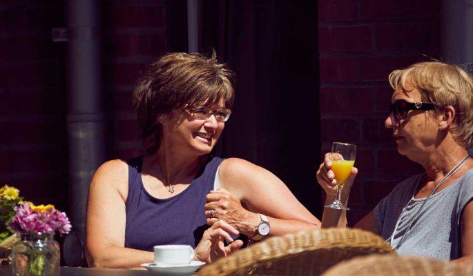 Mathildenstift Muenster Garten Cafe In Der Sonne