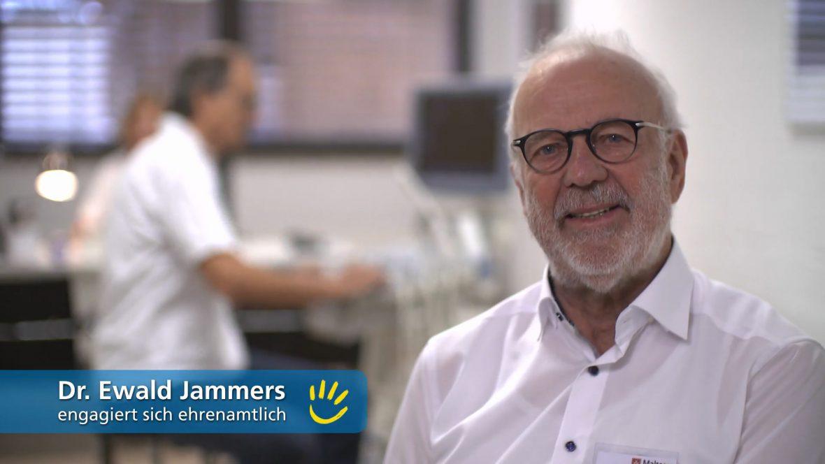 Dr. Ewald Jammers, engagiert sich ehrenamtlich in der Einrichtung Medizin für Menschen ohne Krankenversicherung der Malteser in Mannheim, Baden-Württemberg