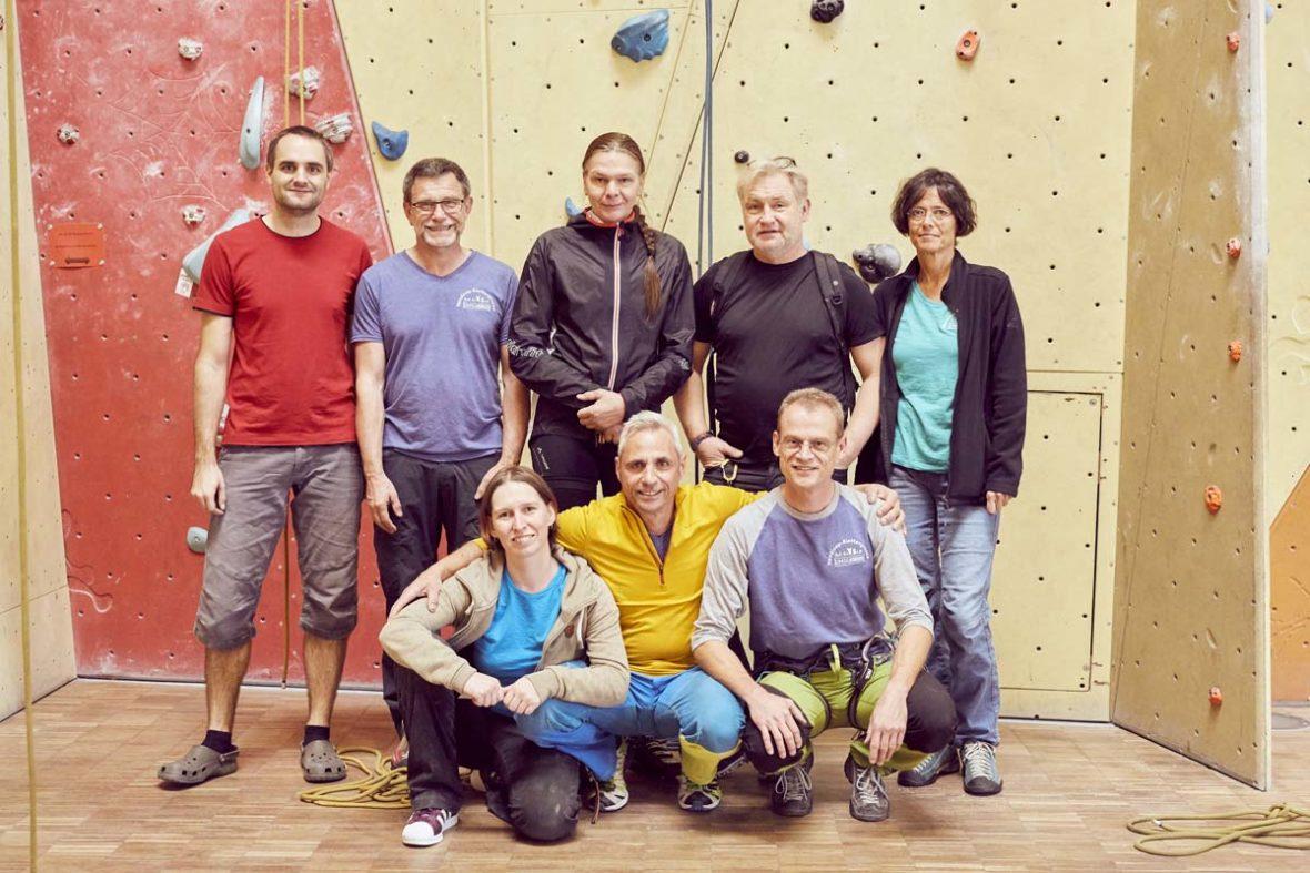 Das Helfer-Team der GäMSen posiert für ein Gruppenfoto.