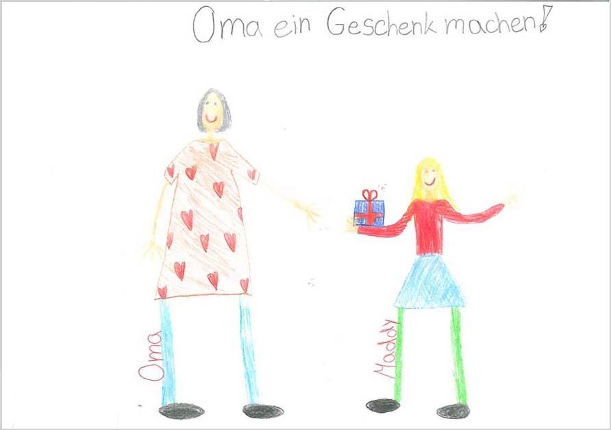 Eine Zeichnung von einer Frau mit grauen Haaren und Herz-T-Shirt und einem blonden Mödchen in rotem Pulli und Rock. Das Mädchen hält ein Geschenk mit Schleife in der Hand und reicht es der Oma. Beide lächeln