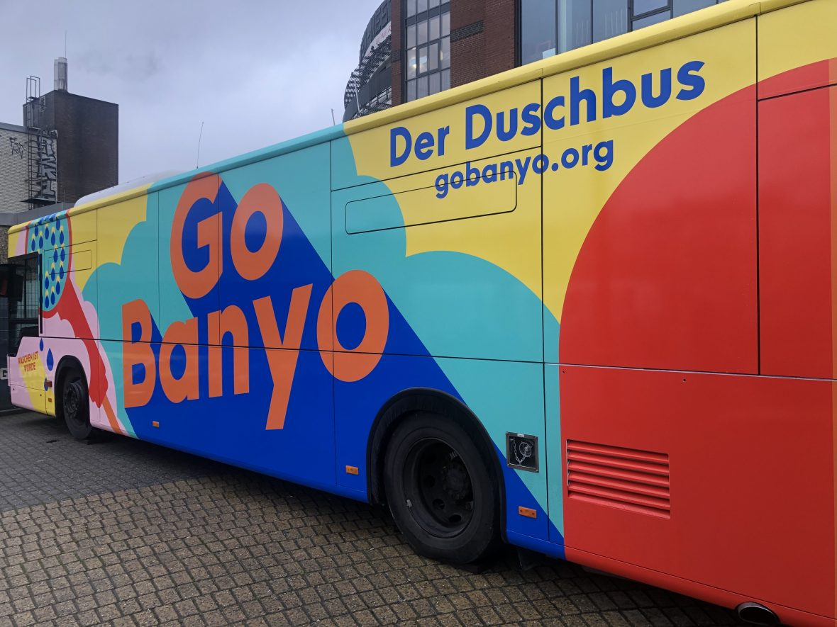 Der Duschbus von GoBanyo ist ab sofort in Hamburg unterwegs.