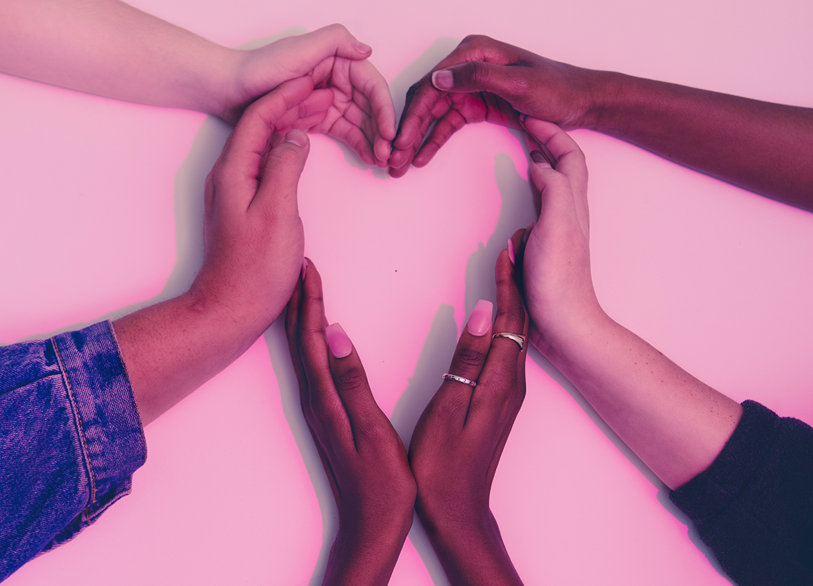 LSBTI*-Themenwoche: Sechs Hände formen gemeinsam ein Herz.