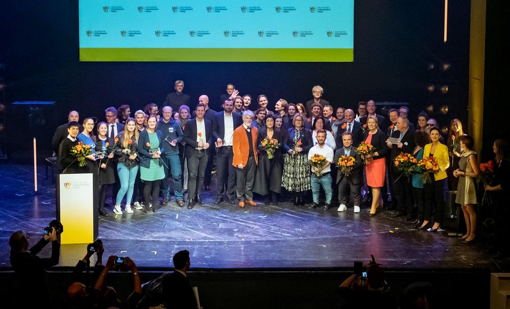 Abschlussbild Preisverleihung Deutscher Engagementpreis 2019 Foto Svea Pietschmann